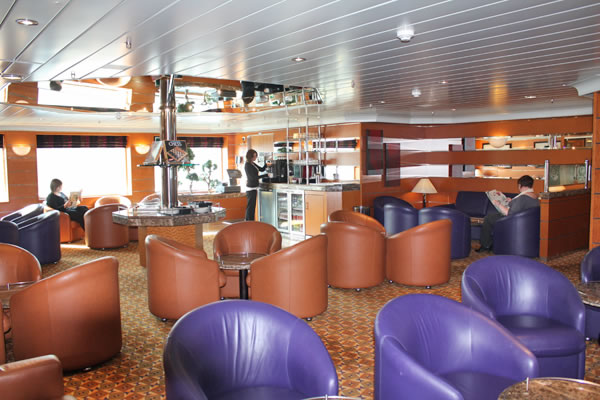 Magnus' Lounge on board MV Hamnavoe, sailing to Orkney