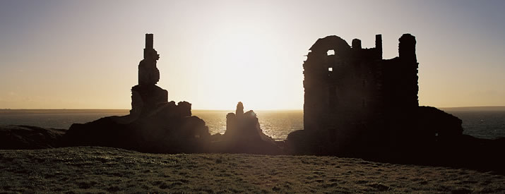 Sunset at Castle Sinclair Girnigoe in Caithness