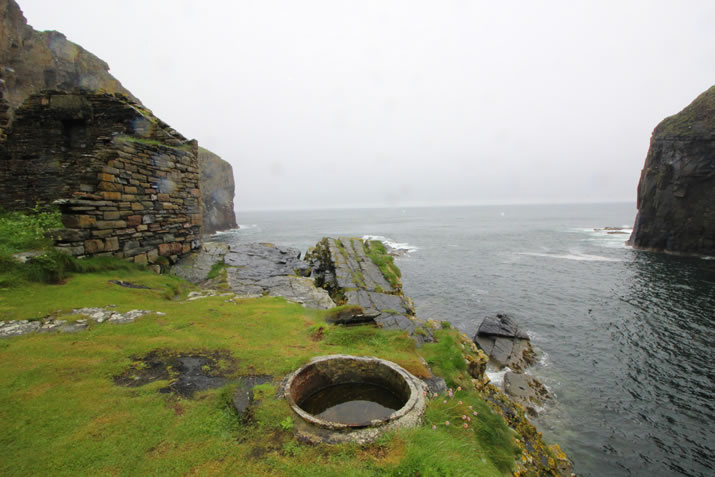 The barking kettle at the Whaligoe Steps in Caithness