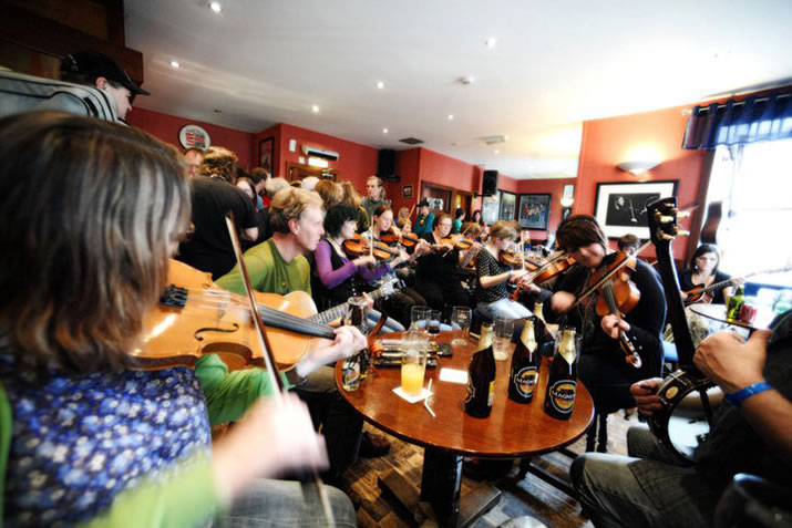 Traditional Shetland music at the Lounge, Lerwick