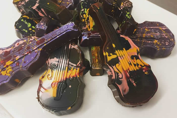 Mirrie Dancers chocolate fiddles