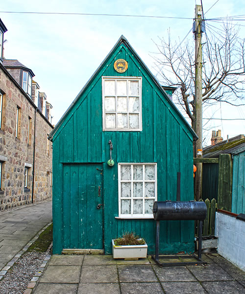 Green shed at Footdee, Aberdeen