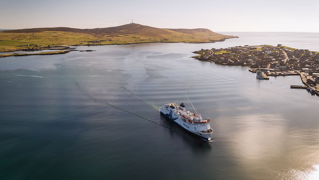 MV Hjaltland arriving in the Shetland islands