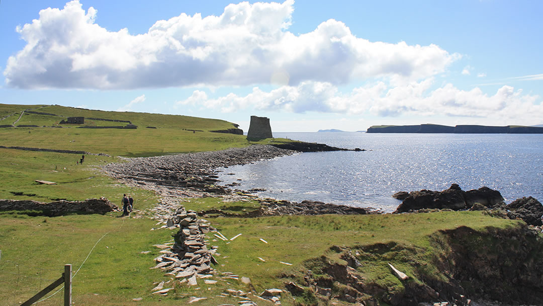 Walking to Mousa Broch