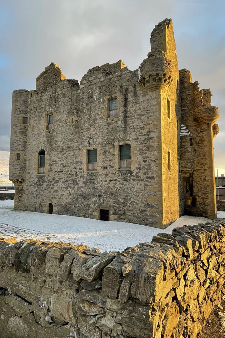 Scalloway Castle in the snow