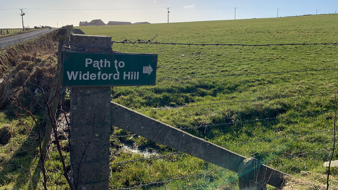 Path to Wideford Hill