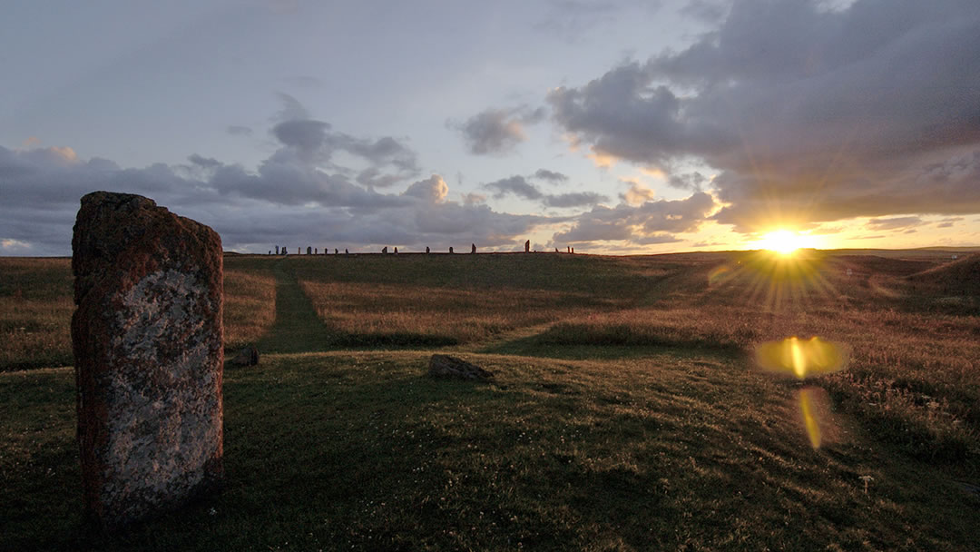 The Ring of Brodgar and the Comet Stone
