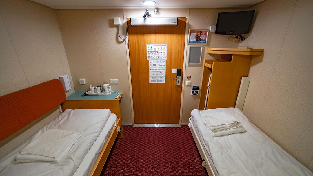 Premium Accessible Inside cabin with Hoist (sleeps 2)