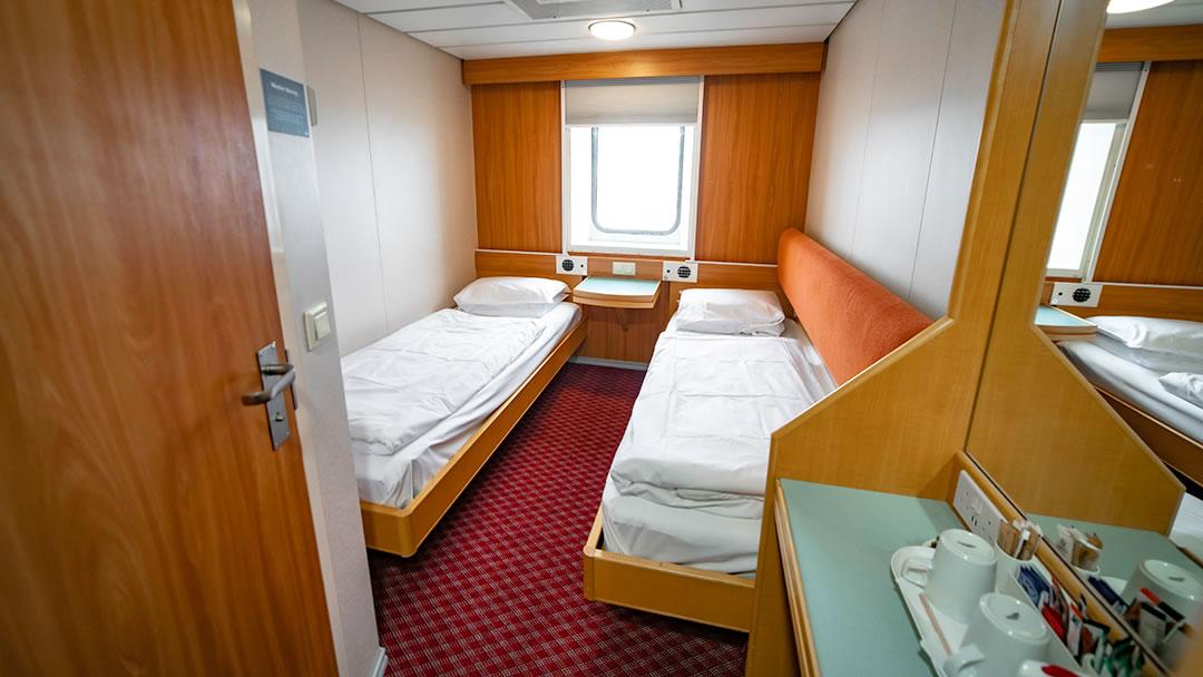 Outside 2-berth cabin