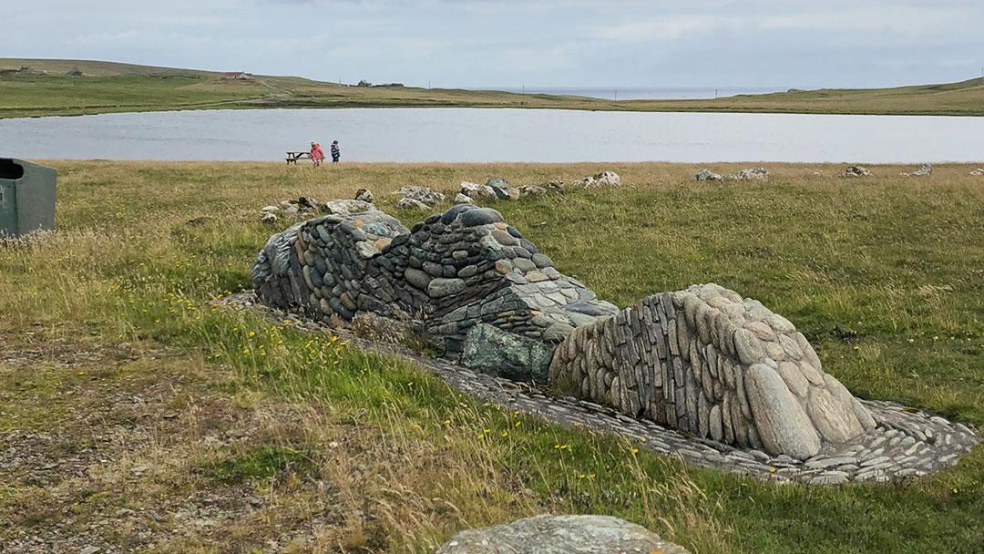 Loch of Funzie geowall in Fetlar, Shetland